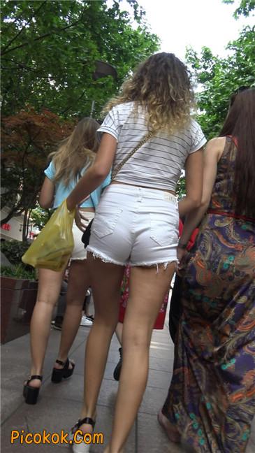超短热裤两辣妹16
