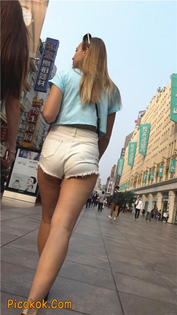 超短热裤两辣妹18