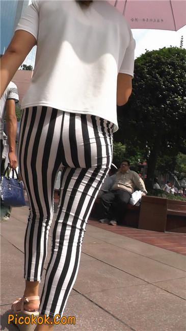 黑白条纹紧身裤熟女4