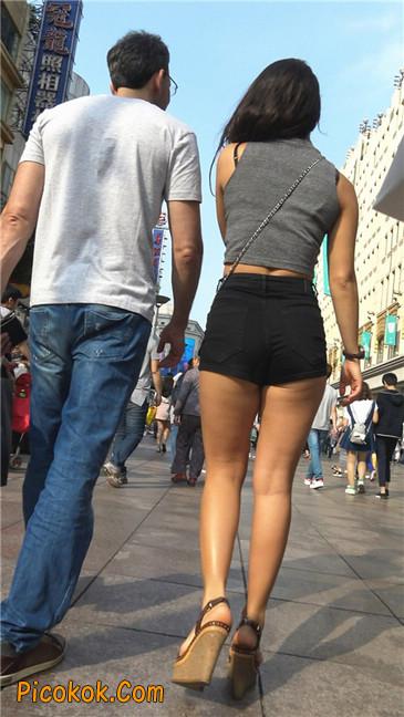极品黑热裤大翘臀亚裔美妇1