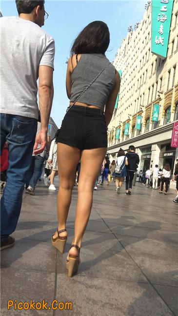 极品黑热裤大翘臀亚裔美妇2