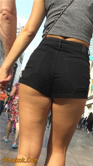 极品黑热裤大翘臀亚裔美妇6