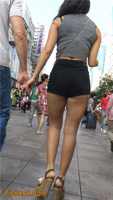 极品黑热裤大翘臀亚裔美妇9