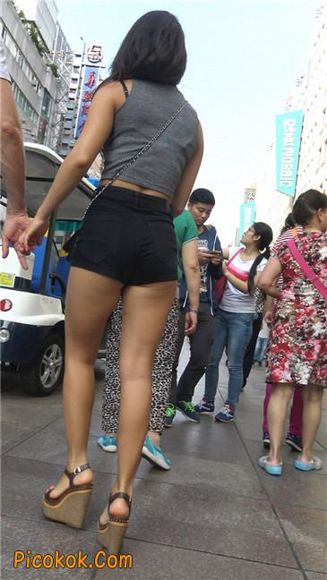 极品黑热裤大翘臀亚裔美妇10