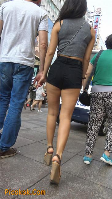 极品黑热裤大翘臀亚裔美妇11