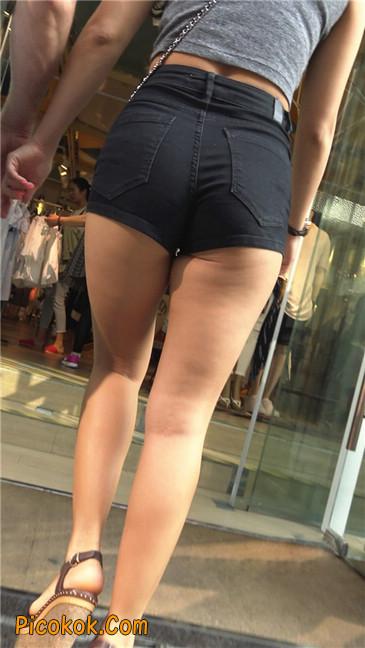 极品黑热裤大翘臀亚裔美妇17