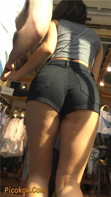 极品黑热裤大翘臀亚裔美妇20