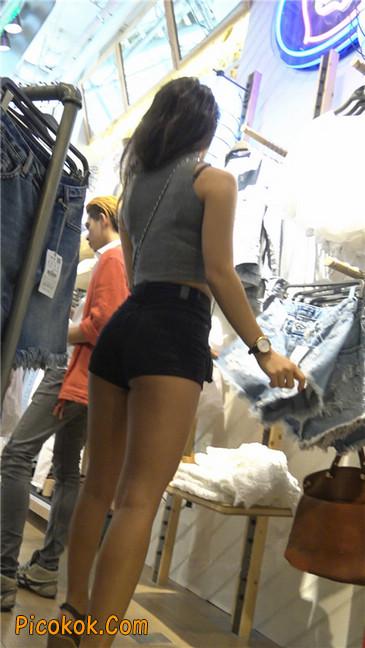 极品黑热裤大翘臀亚裔美妇22
