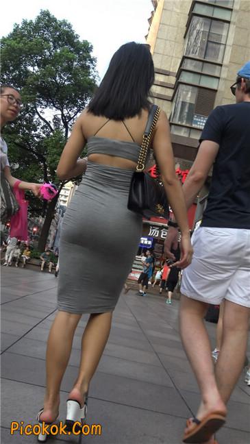 超极品超性感灰色露背包臀裙美女