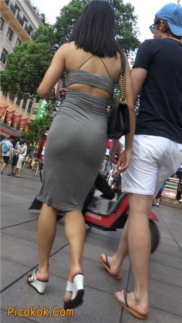 超极品超性感灰色露背包臀裙美女1