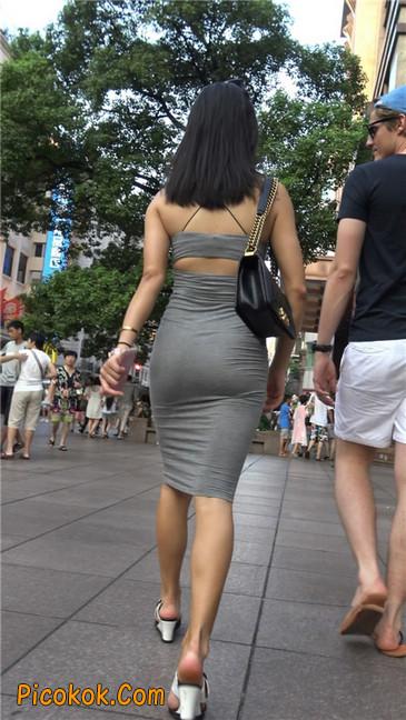 超极品超性感灰色露背包臀裙美女3