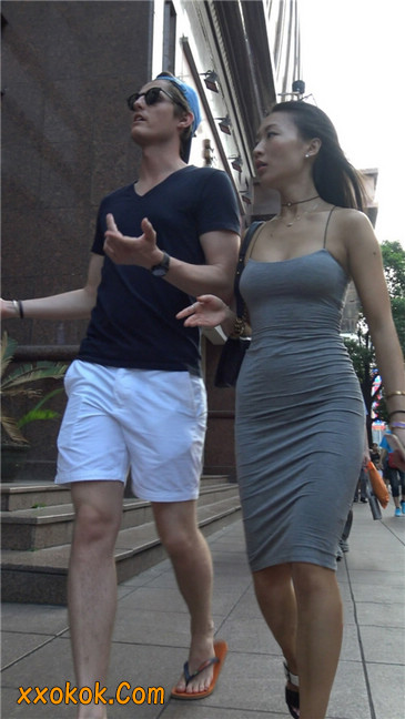超极品超性感灰色露背包臀裙美女8