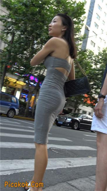 超极品超性感灰色露背包臀裙美女13
