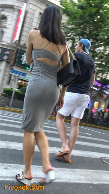 超极品超性感灰色露背包臀裙美女14