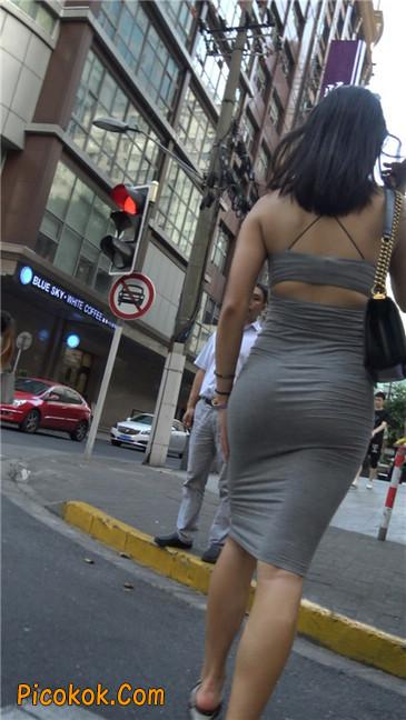 超极品超性感灰色露背包臀裙美女15