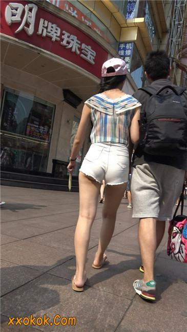 白色短热裤-丰腴之臀