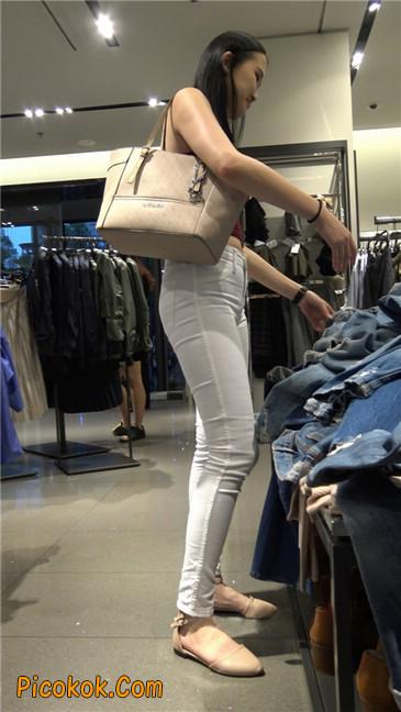 超长大片!紧身白裤风骚凸点两少妇!第二季3