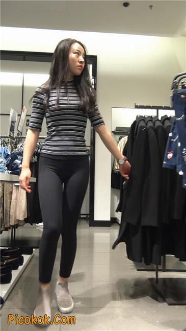 超极品轻盈紧身瑜伽裤翘臀美女试衣服16