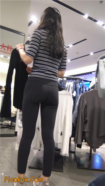 超极品轻盈紧身瑜伽裤翘臀美女试衣服17