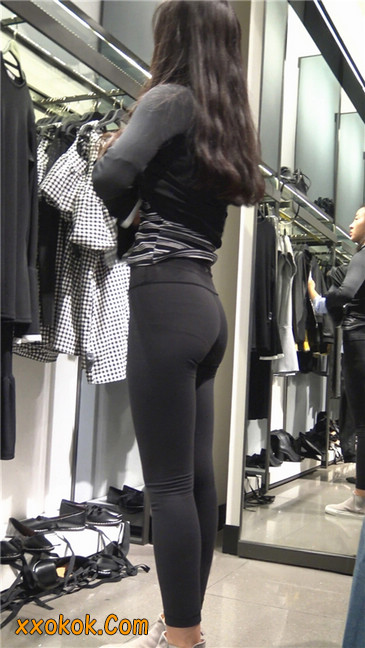 超极品轻盈紧身瑜伽裤翘臀美女试衣服22