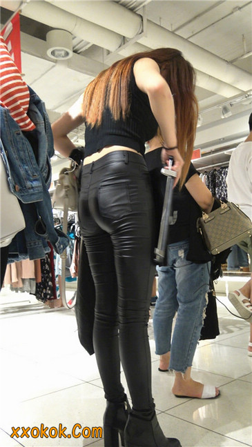 超极品黑色高跟紧身皮裤翘臀大美女第一季