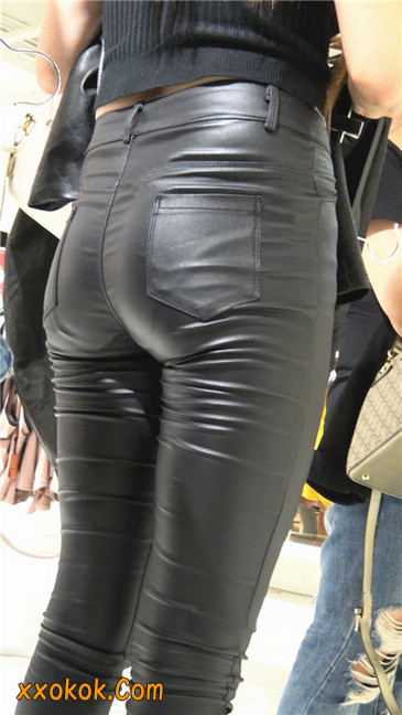 超极品黑色高跟紧身皮裤翘臀大美女第一季2