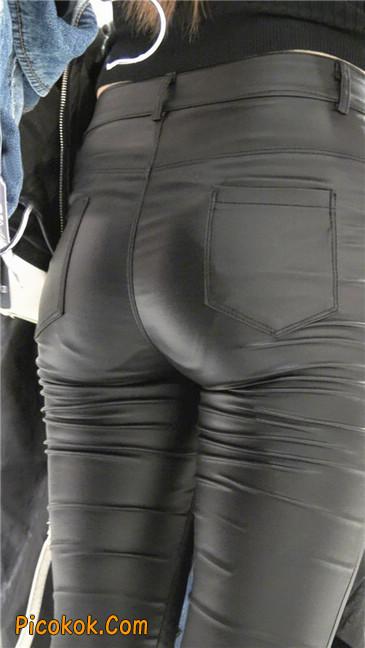 超极品黑色高跟紧身皮裤翘臀大美女第一季14