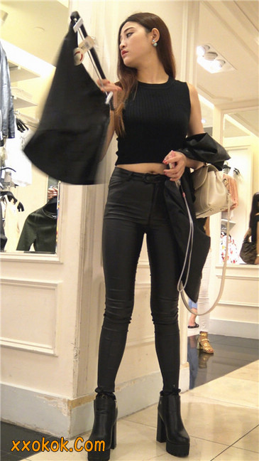 超极品黑色高跟紧身皮裤翘臀大美女第一季18