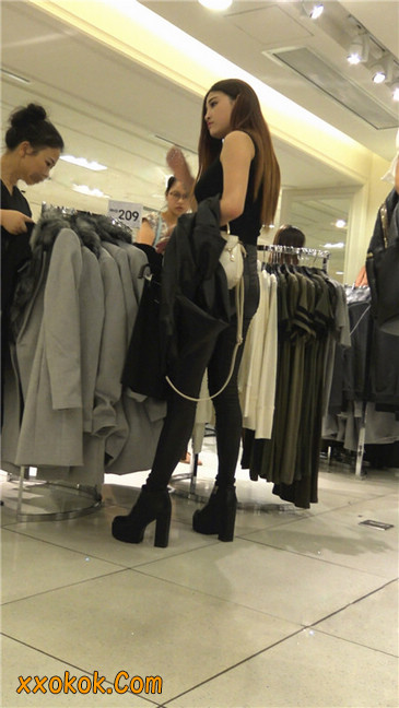 超极品黑色高跟紧身皮裤翘臀大美女第一季27