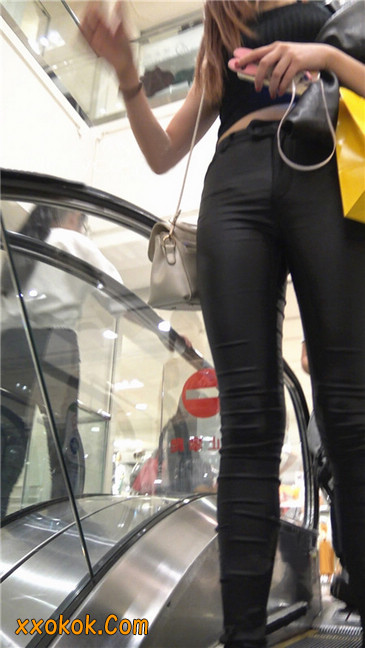 超极品黑色高跟紧身皮裤翘臀大美女第一季35