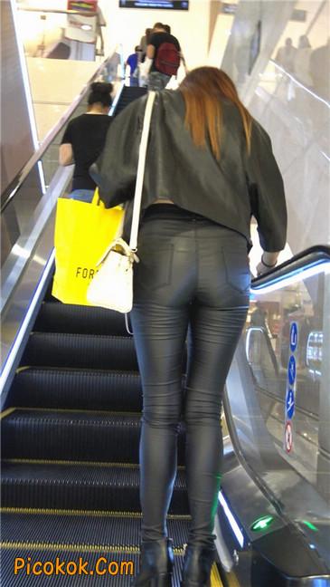 超极品黑色高跟紧身皮裤翘臀大美女第一季49
