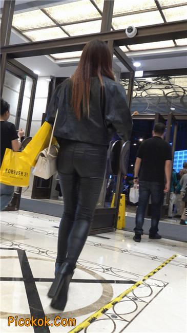 超极品黑色高跟紧身皮裤翘臀大美女第一季50