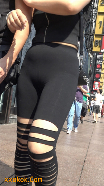 超极品!!紧身黑裤性感紧三角美少妇2