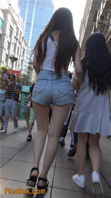 超性感浅牛热裤美女.勒得太紧了15