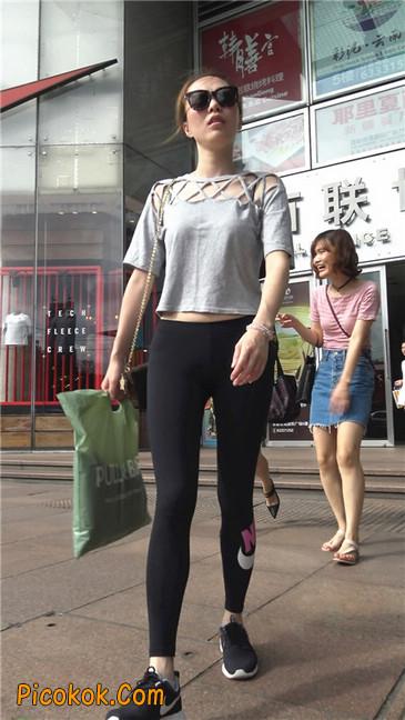 黑色耐克紧身裤墨镜美女2