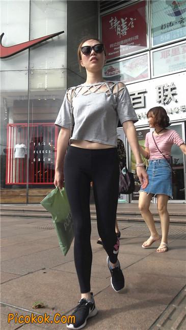 黑色耐克紧身裤墨镜美女3