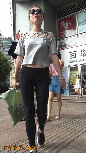 黑色耐克紧身裤墨镜美女4