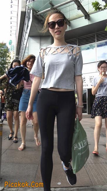 黑色耐克紧身裤墨镜美女8