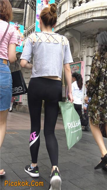 黑色耐克紧身裤墨镜美女12