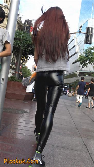 略显装逼的紧身皮裤墨镜美女2