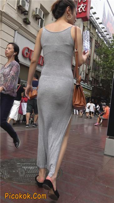 超性感开叉贴身长裙凸显玲珑曼妙身材