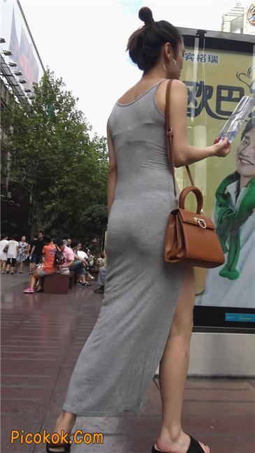 超性感开叉贴身长裙凸显玲珑曼妙身材1