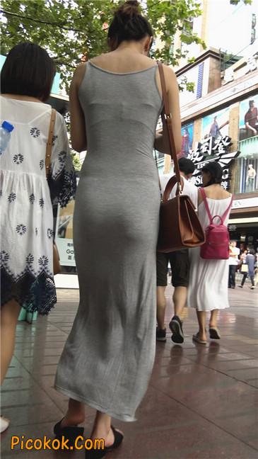 超性感开叉贴身长裙凸显玲珑曼妙身材6