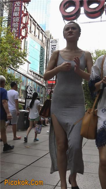 超性感开叉贴身长裙凸显玲珑曼妙身材7