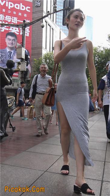 超性感开叉贴身长裙凸显玲珑曼妙身材8