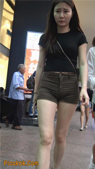 超极品性感丰腴大臀紧身热裤美女1