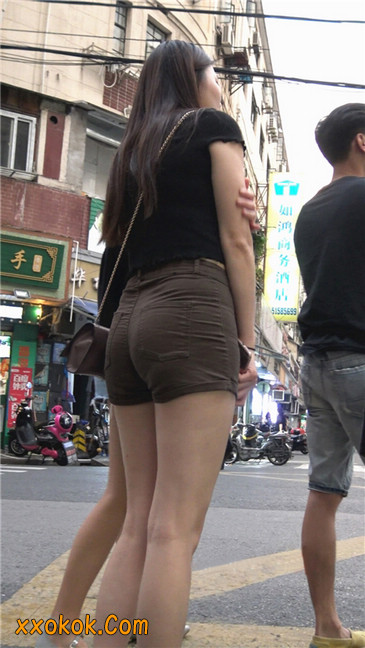 超极品性感丰腴大臀紧身热裤美女6