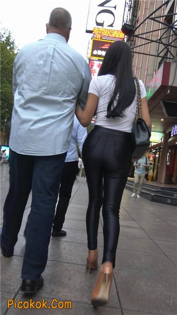 极品超性感紧身皮裤翘臀黄高跟大美女3