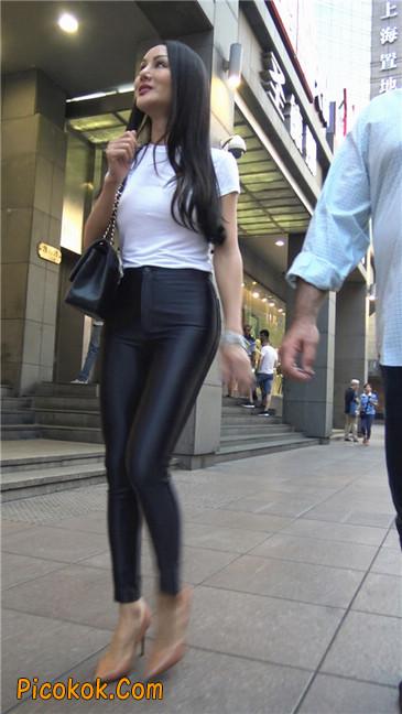 极品超性感紧身皮裤翘臀黄高跟大美女6