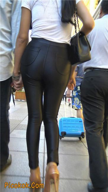 极品超性感紧身皮裤翘臀黄高跟大美女8